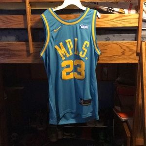 Lebron James Lakers throwback jersey Sz:M (New)